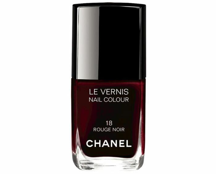 chanel rouge noir nagellack bästa mörkröda