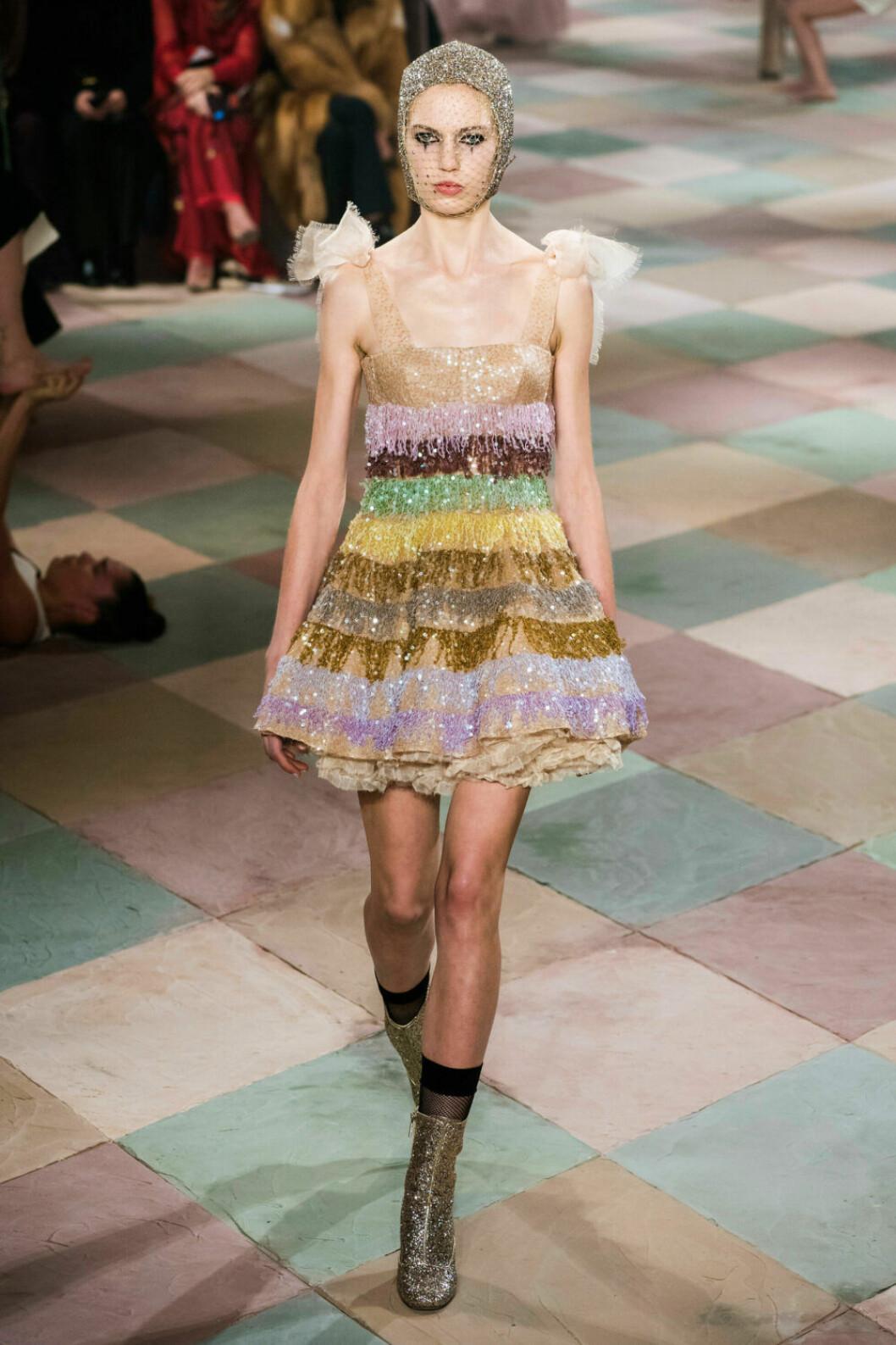 Färgsprakande klänning på Diors SS19 haute couture–visning