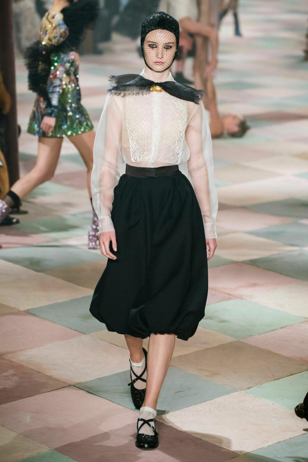 Svart och vitt på Diors SS19 haute couture–visning