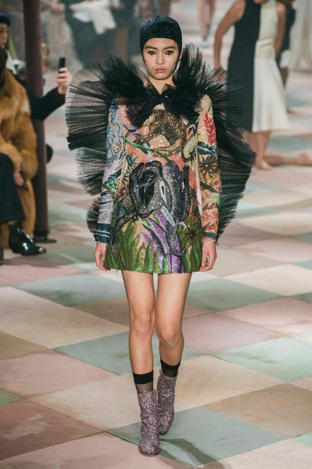 Ett färgstarkt statement piece på Diors SS19 haute couture–visning