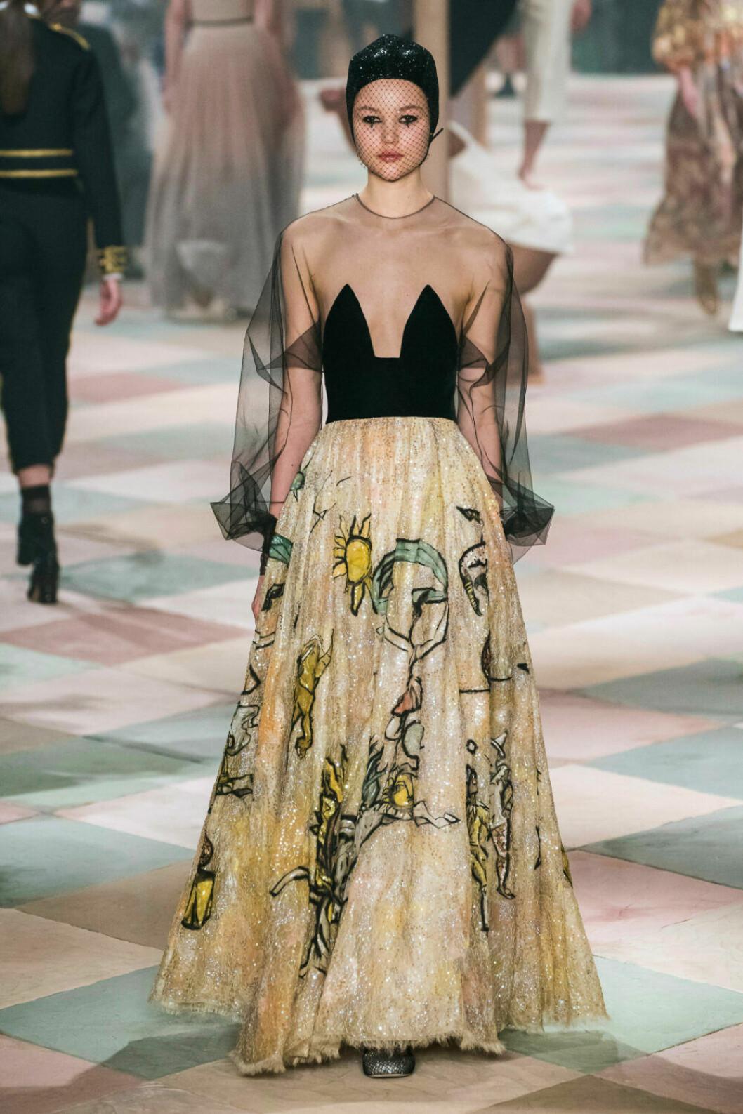 Drömmig klänning på Diors SS19 haute couture–visning