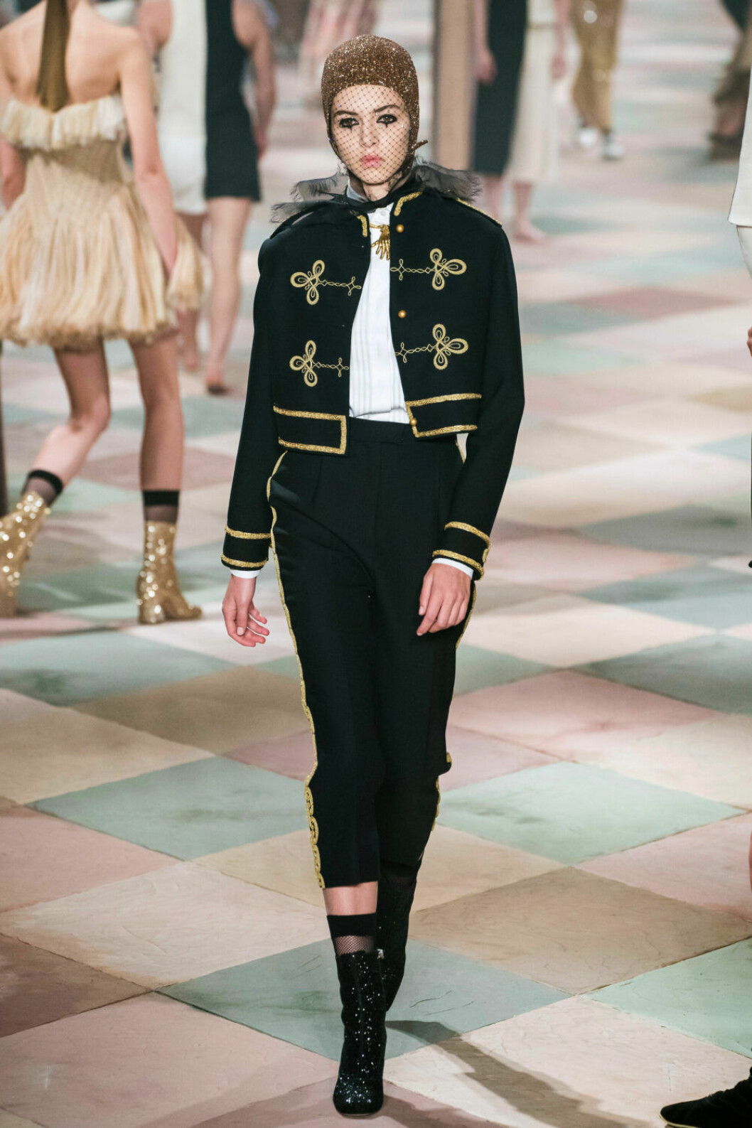 Cirkusdirektören i fokus på Diors SS19 haute couture–visning