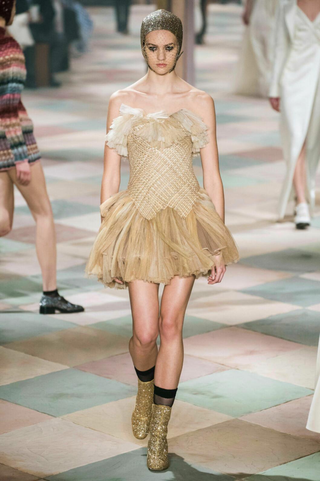 Guldiga toner på Diors SS19 haute couture–visning