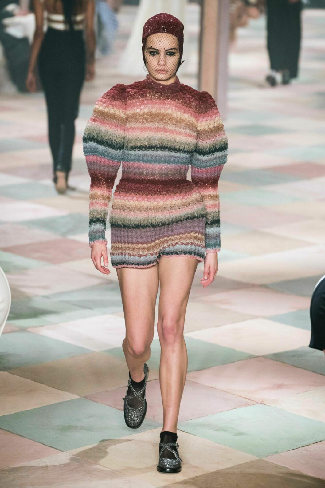 Stickade ränder på Diors SS19 haute couture–visning