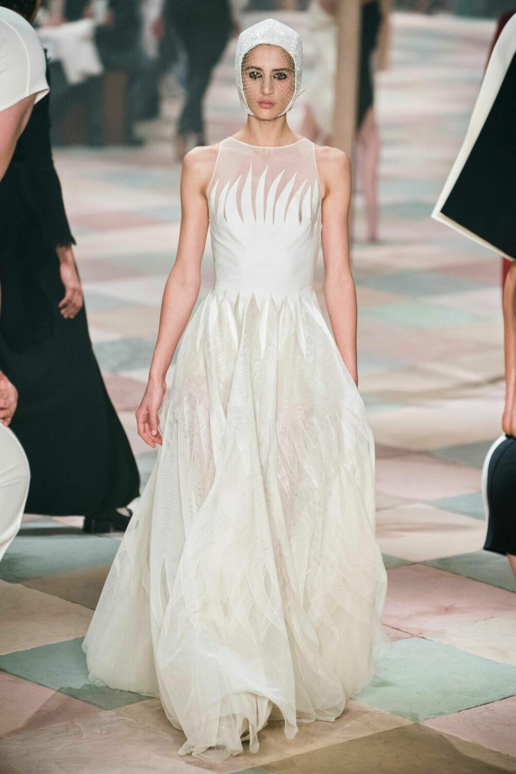 Böljande vitt på Diors SS19 haute couture–visning