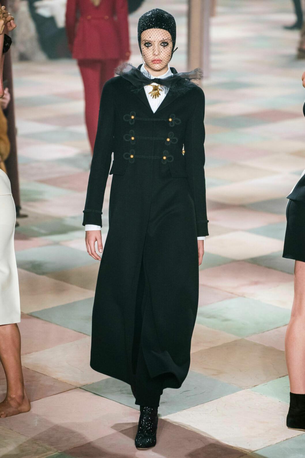 Cirkusdirektören som inspiration på Diors SS19 haute couture–visning