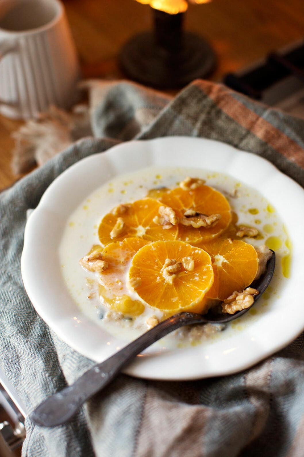 Citrusgröt med valnötter och apelsin