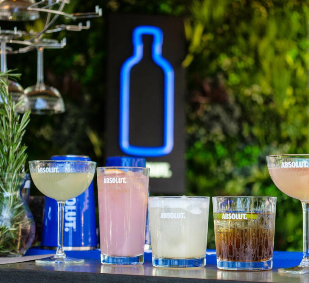 Hållbara drinkar på Clarin Hotel Signs Rooftop Garden Bar.