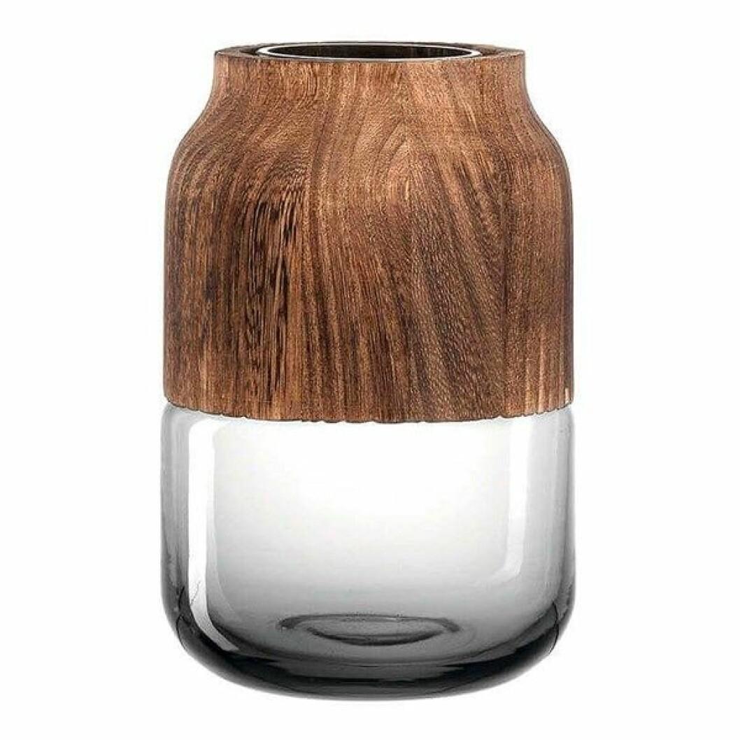 Vasen Colletto från Leonardo har två vackra delar