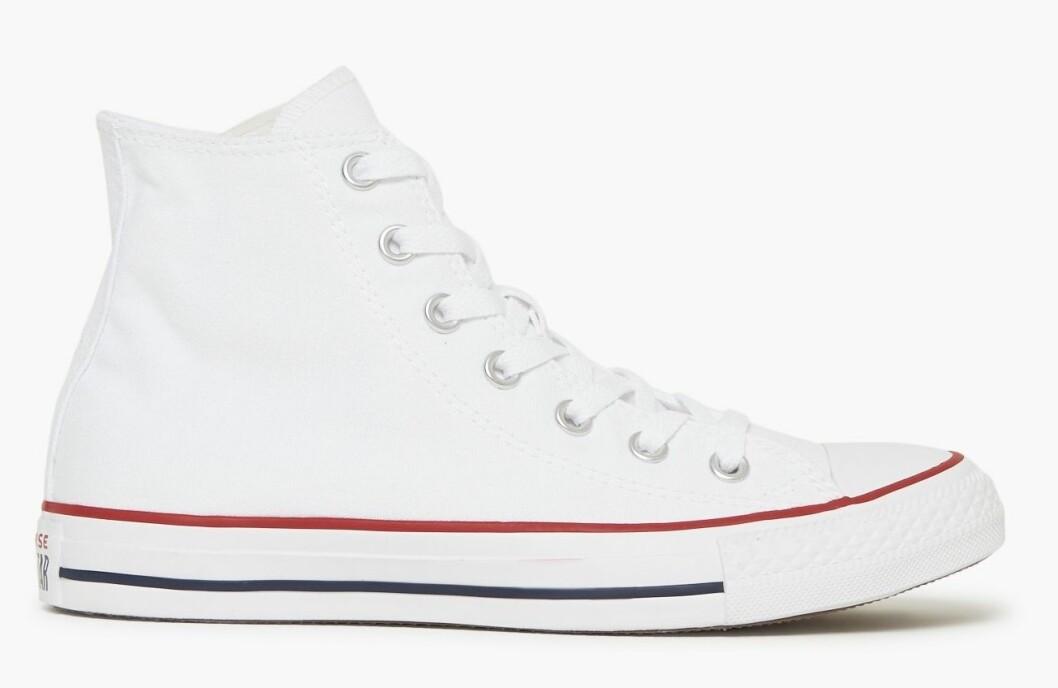 vita sneakers från COnverse.