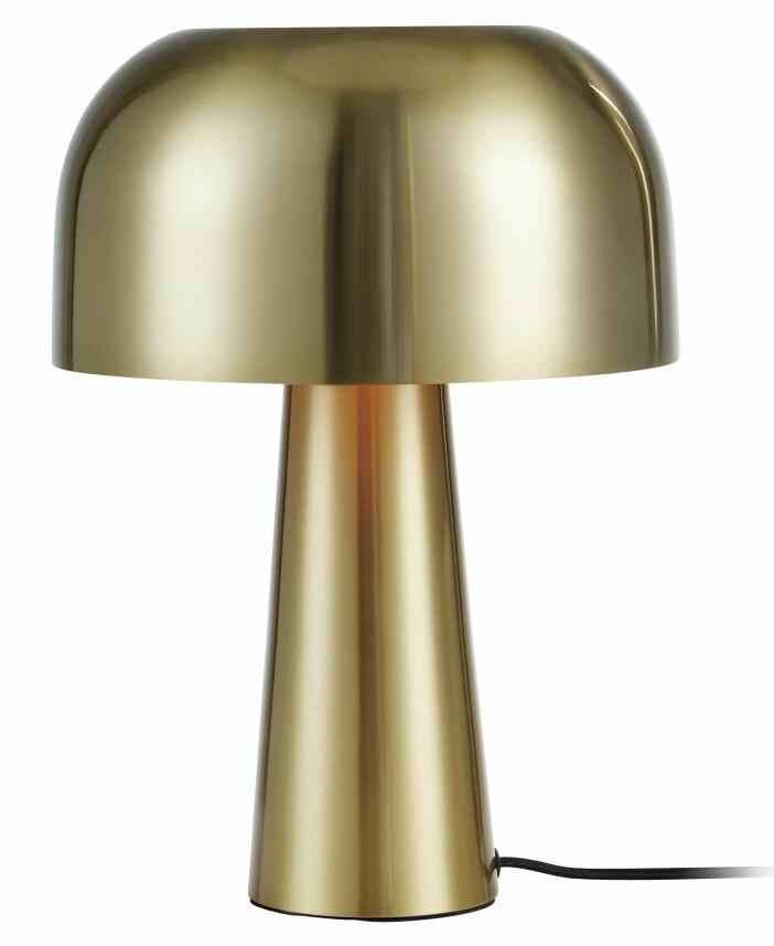 Coola lampan Blanca i guldfärgad metall från Markslöjd.