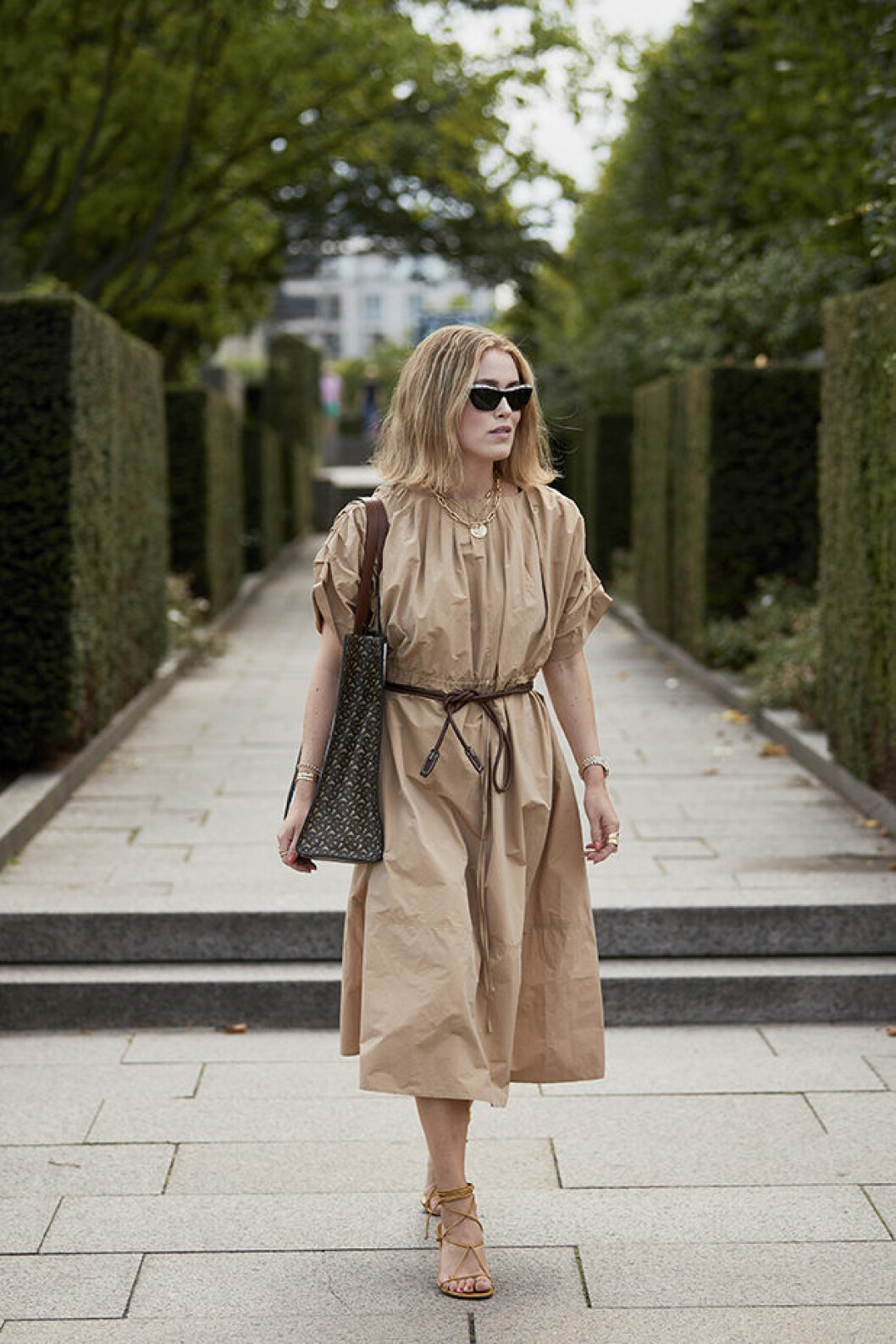Beige streetstyleinspiration från modeveckan i Köpenhamn.