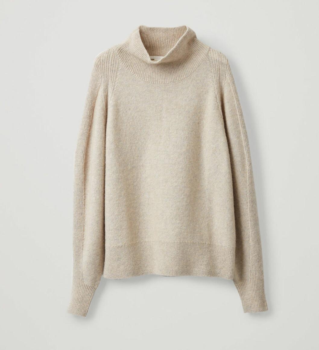 Beige stickad tröja från cos