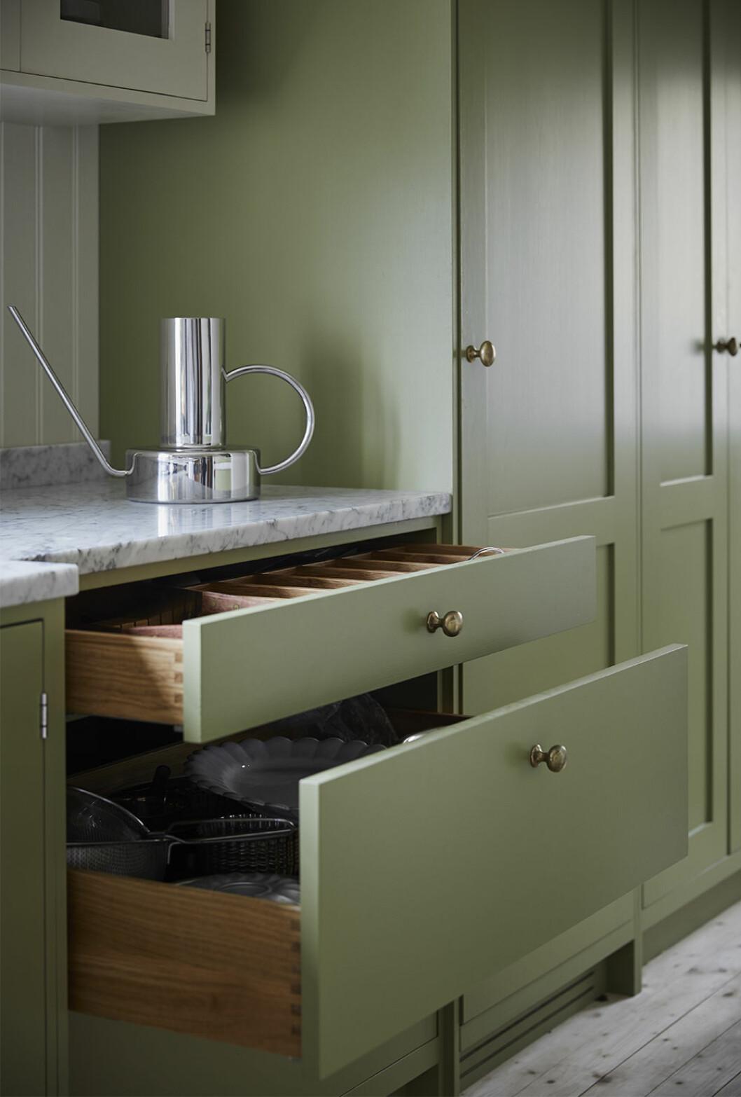 Shakerkök hemma hos Johanna Bradford – från Cupboards & Goods