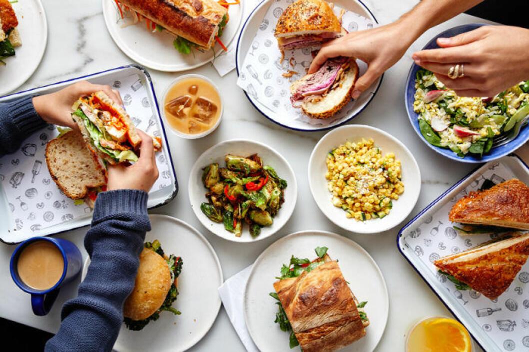 Daily Provisions i New York byter meny sex gånger per dag.