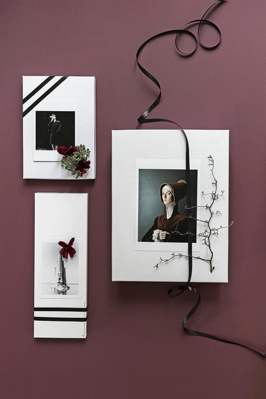 DIY: Dekorera julklapparna med växter och vykort.