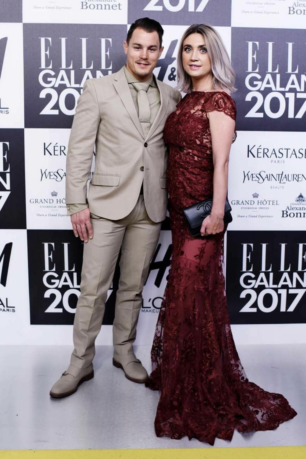 Camilla Läckberg sålde vidare sin klänning.