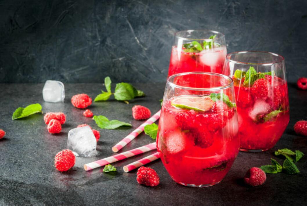 Drink med hallon och rom
