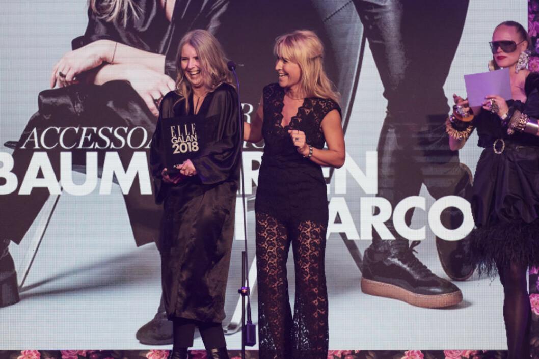 """Baumgarten di Marco tog emot priset """" Årets accessoardesigner""""."""