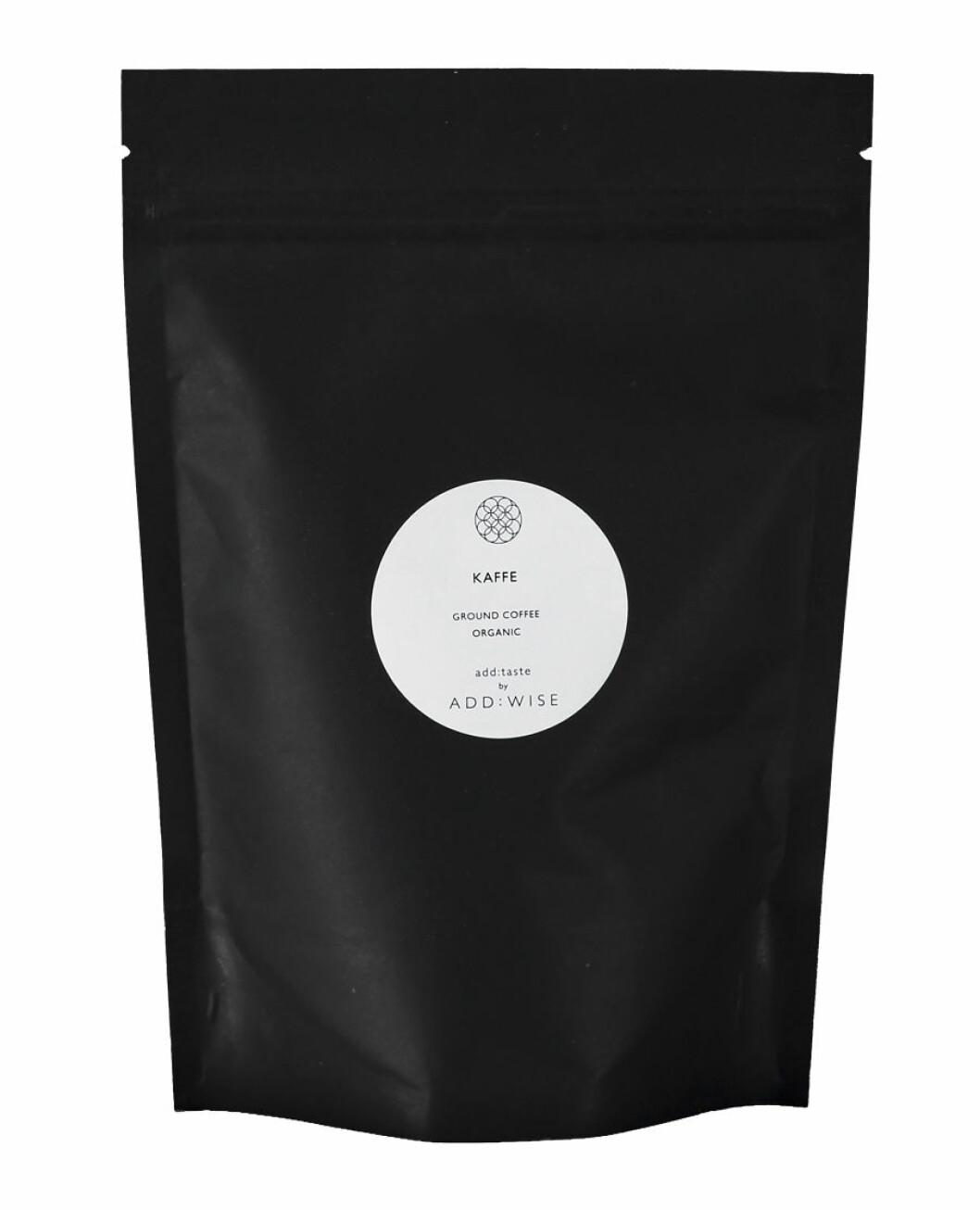 Kaffe i svart förpackning