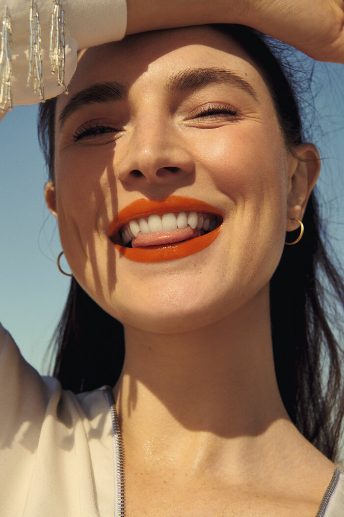 Stick ut med Labsolu rouge cream lipstick i tonen <i>Orange sacree</i>, 355 kr, Lancôme.