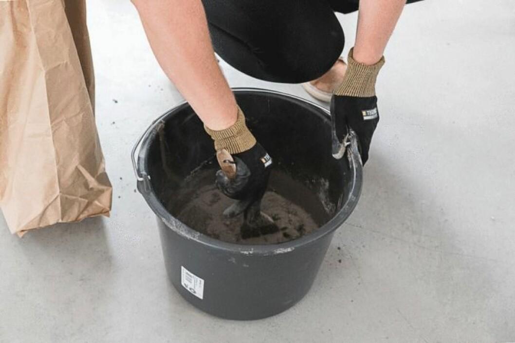 Blanda betong med vatten.