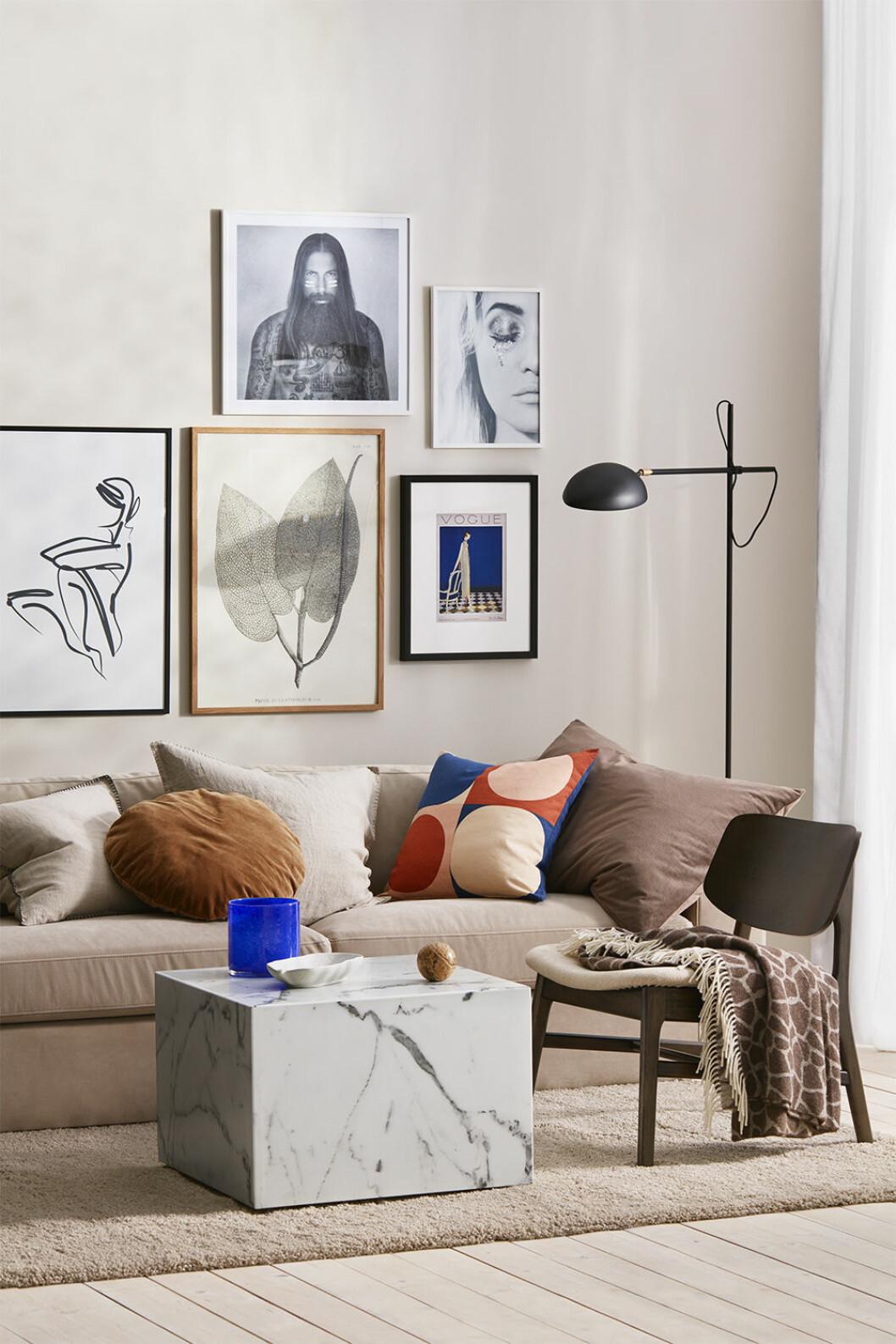 Abstrakta posters, soffa och detaljer från Ellos Homes vårkollektion 2020