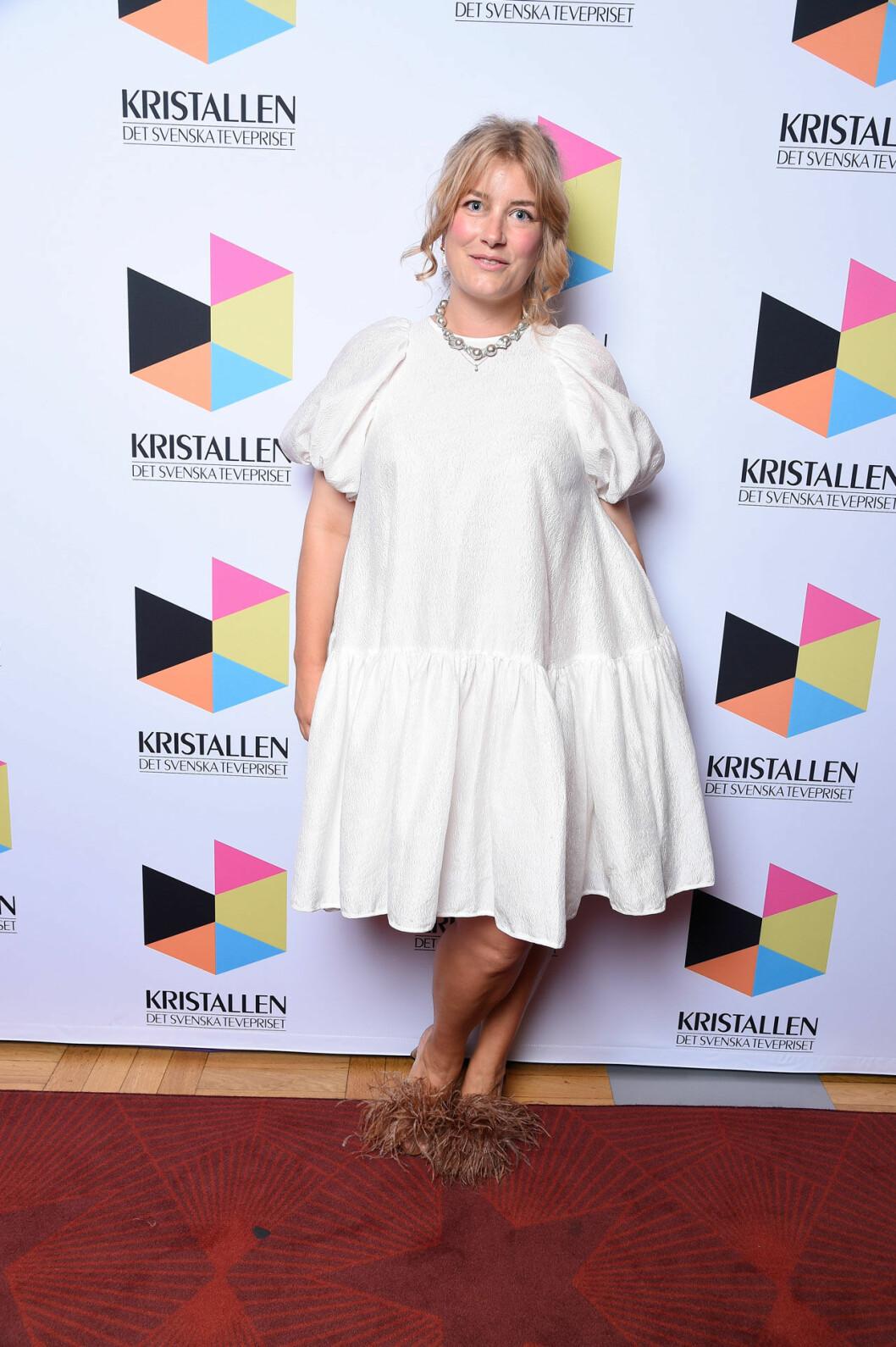 Elsa Billgren på röda mattan på Kristallen 2020