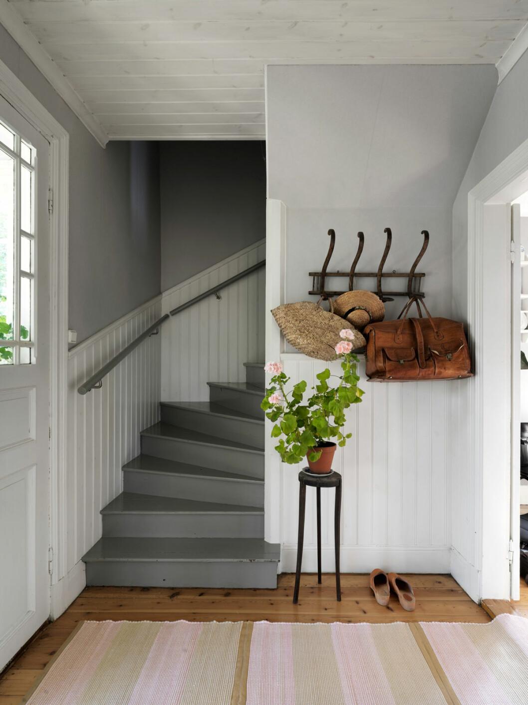 Elsa Billgren sommarhus Gotland hallen trappa