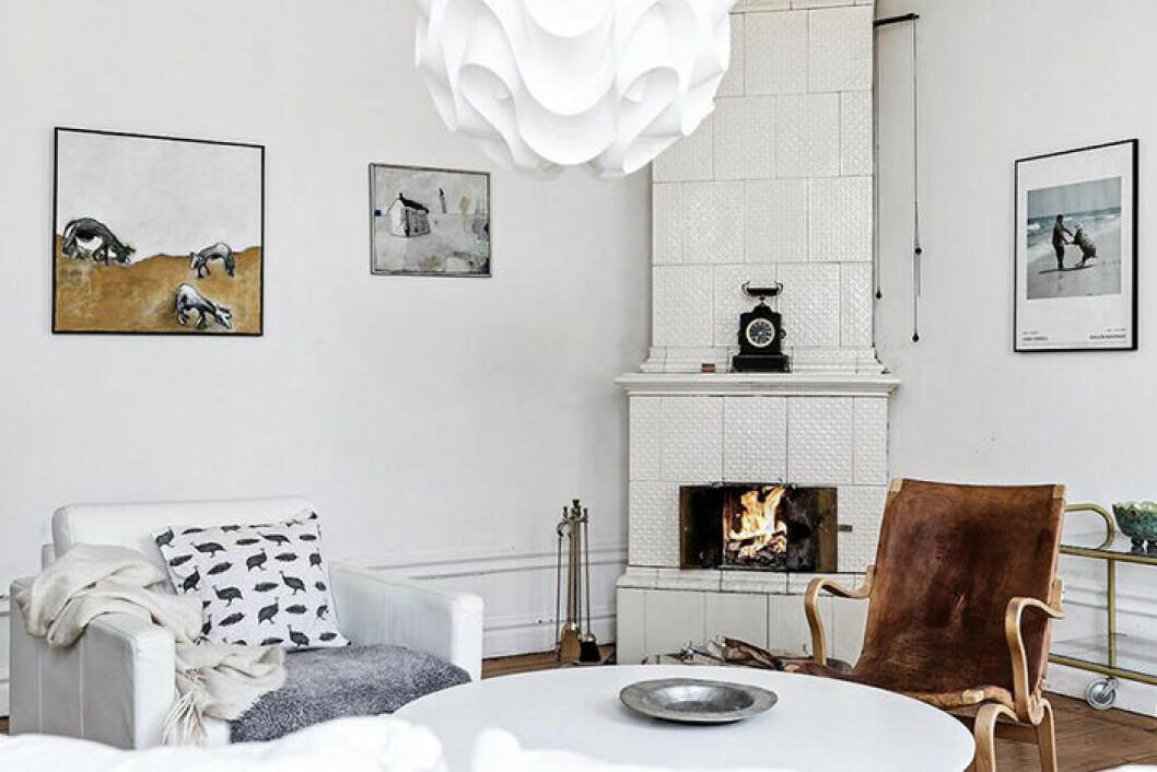 Kakelugn i den charmiga lägenheten på Mosebacke torg