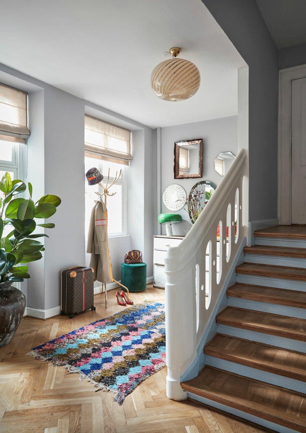 Hemma hos Emili Sindlev Köpenhamn hall trappa