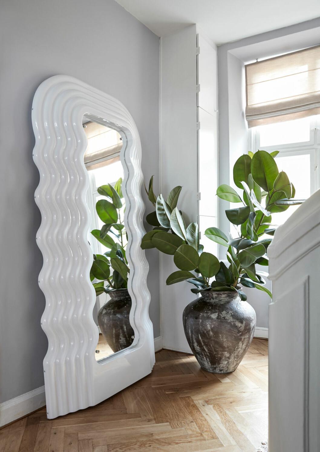 Hemma hos Emili Sindlev Köpenhamn spegel Ultrafragola