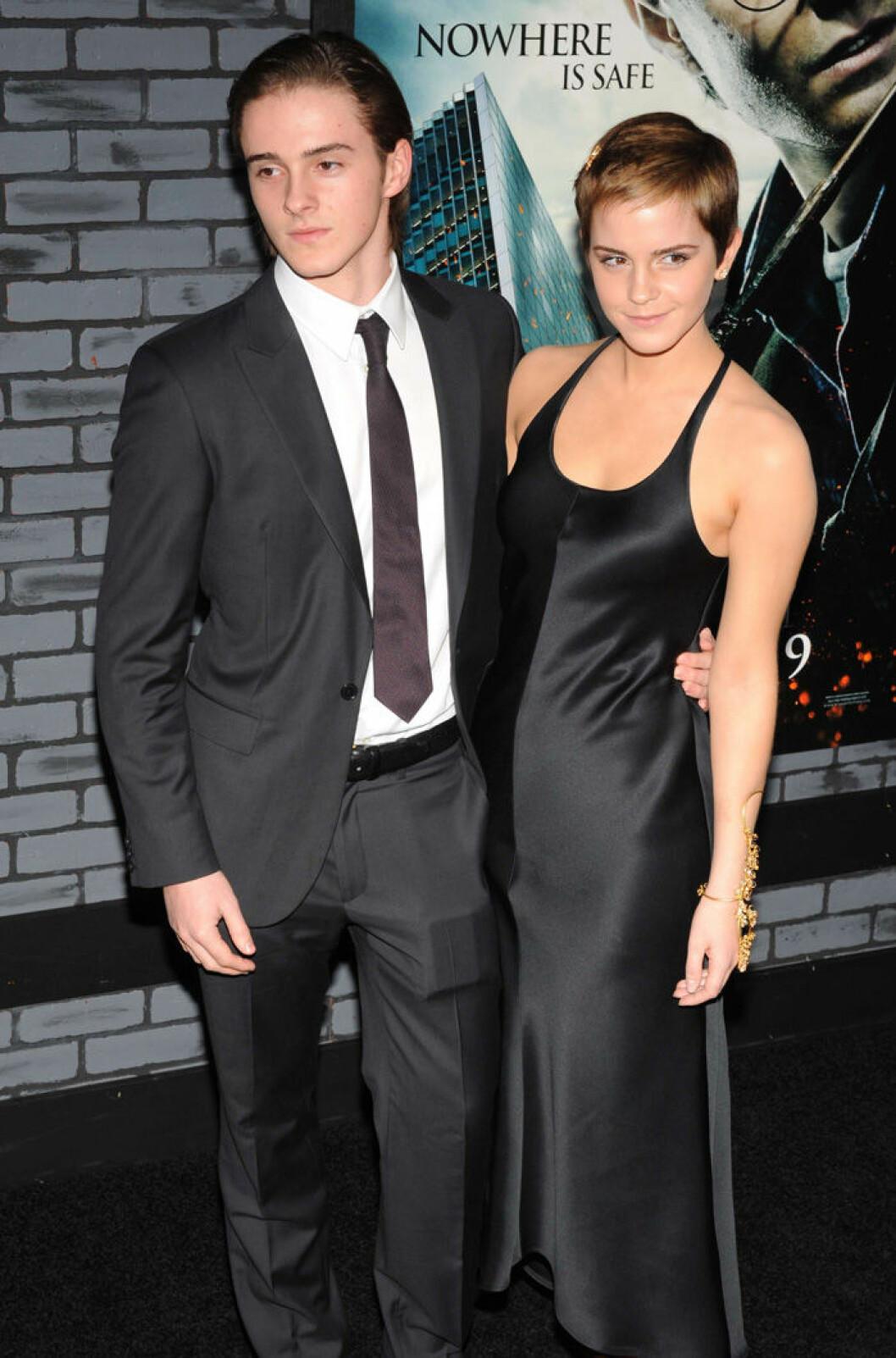 En bild på Emma och Alex Watson på filmpremiären av Harry Potter och Dödsrelikerna (Del 1) 2010.
