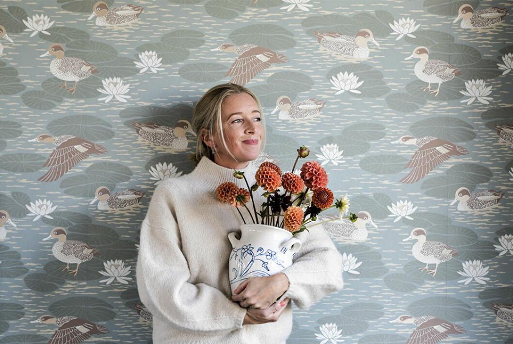 Emma von Brömssen är mönsterdesigner, konstnär och expert på tapeter