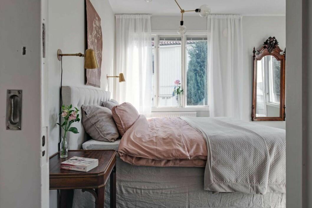 Ett smart färgknep i sovrummet är en bas av neutrala nyanser plus accenter