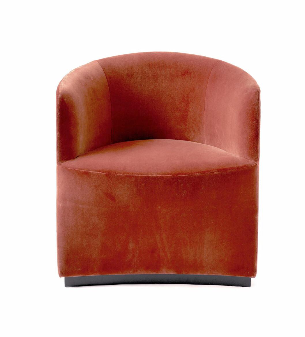 Fåtölj ur serien Tearoom är designad av Nick Ross för Menu.