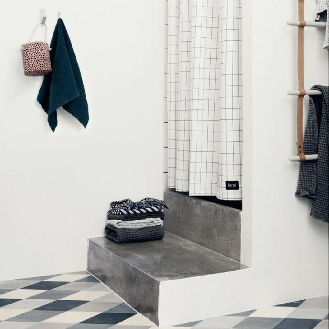 rutigt duschdraperi