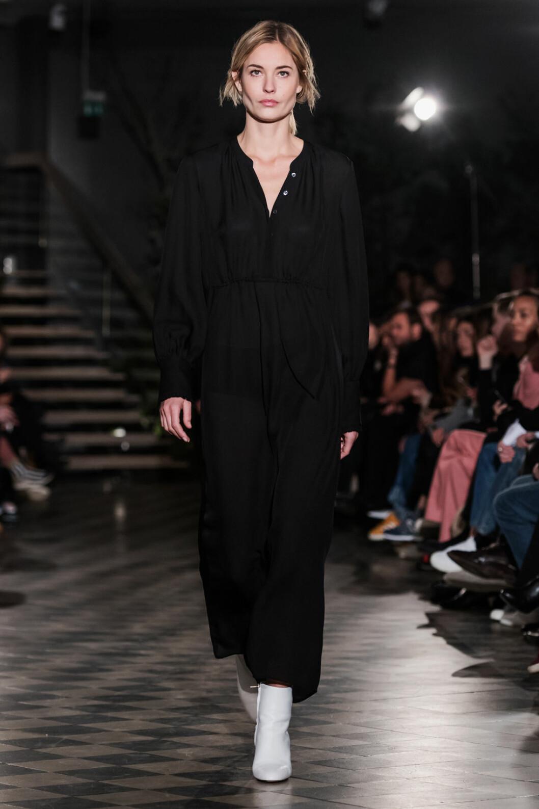 Filippa K AW 18, svart klänning.