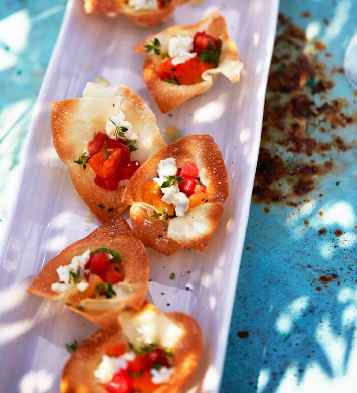 Fildegskakor med mozzarella och tomat