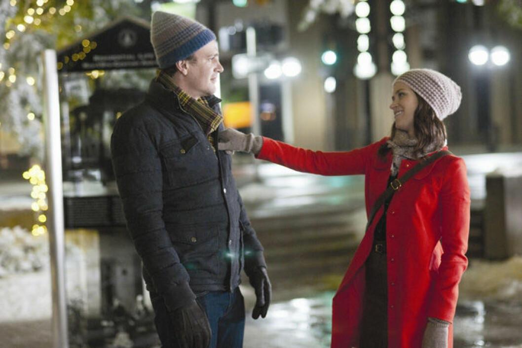 En bild på Emily Blunt och Jason Segel som har huvudrollerna i filmen The Five Year Engagement.