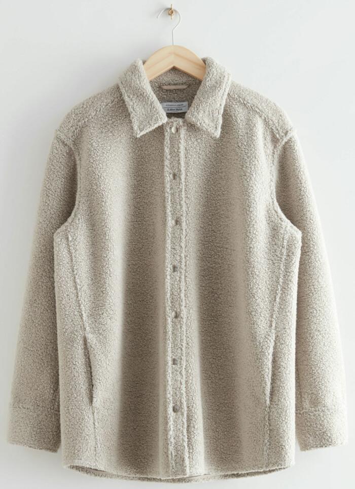 Fleece-inspirerad skjortjacka i beige från & Other stories