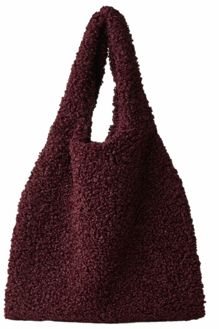 fluffig väska från cos i teddy