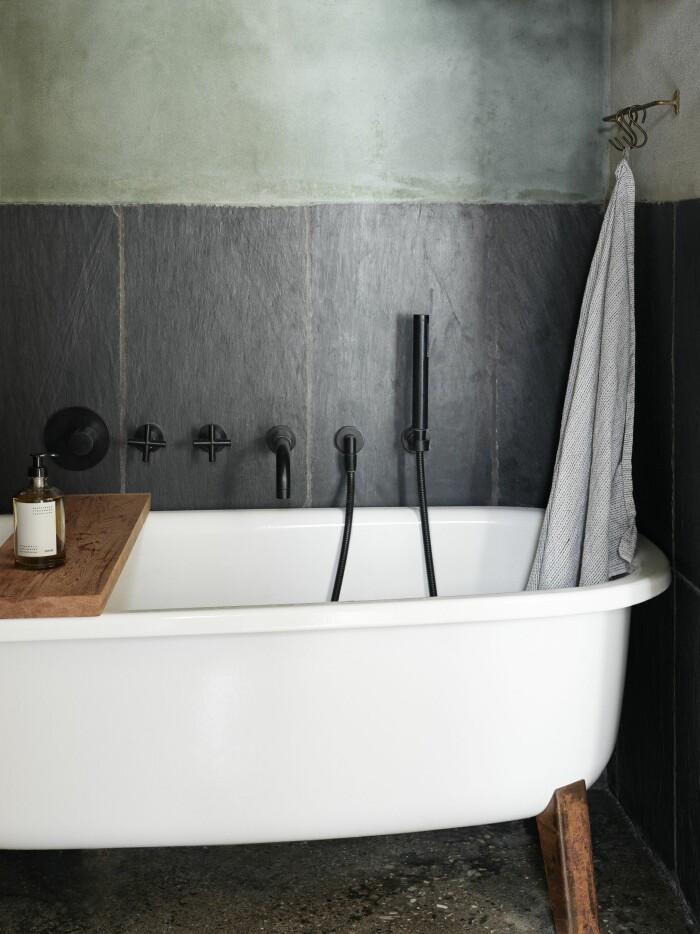 Frama Köpenhamn ELLE Decoration hemma hos Christophersen badrum badkar