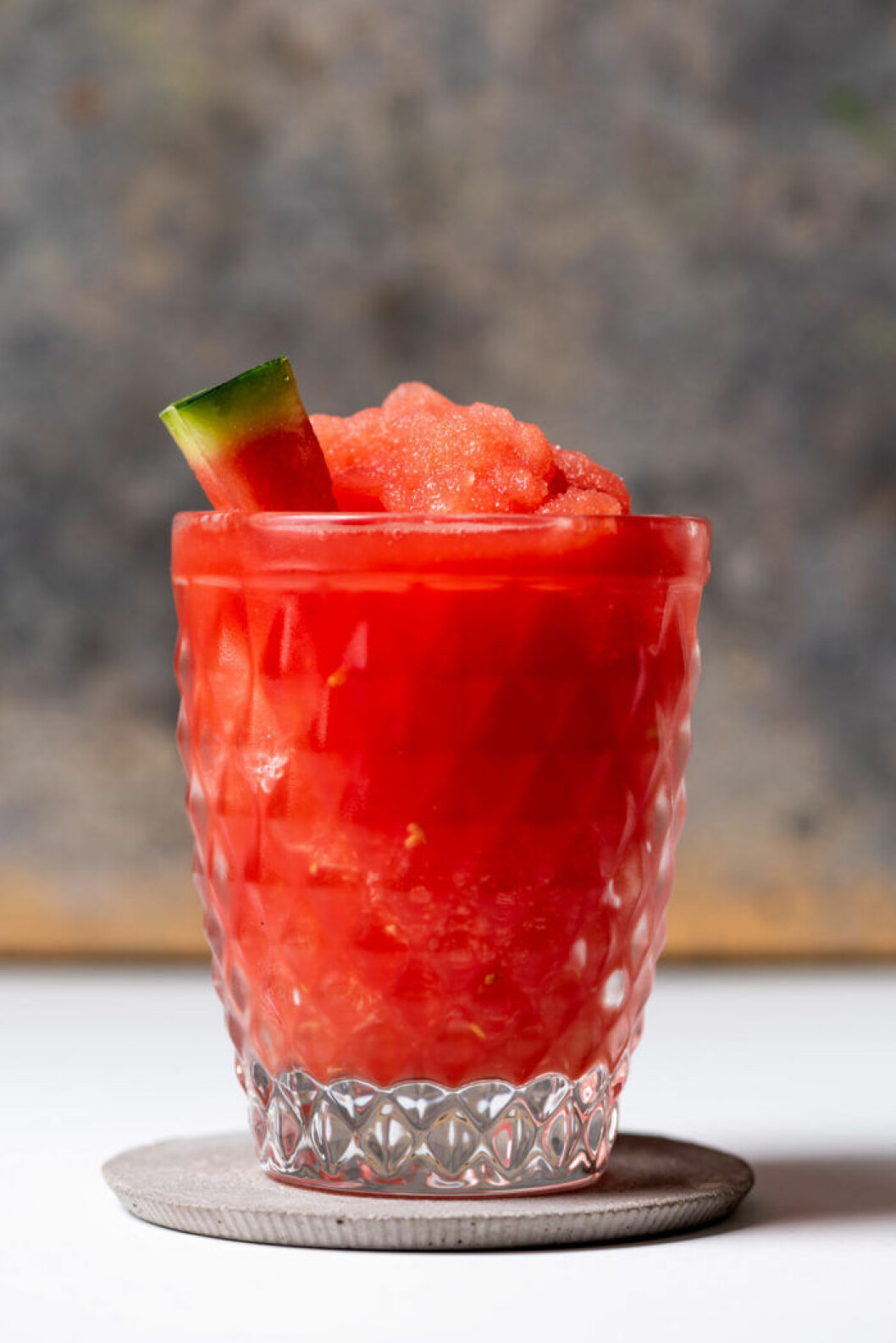 Fryst drink med vattenmelon och rosévin.