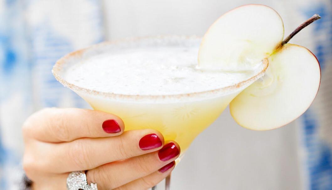 Blanda en frisk och god Frozen Apple Pie Martini.