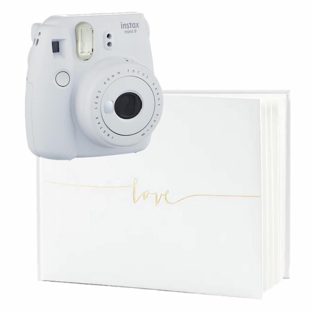 Gästbok med polaroidkamera