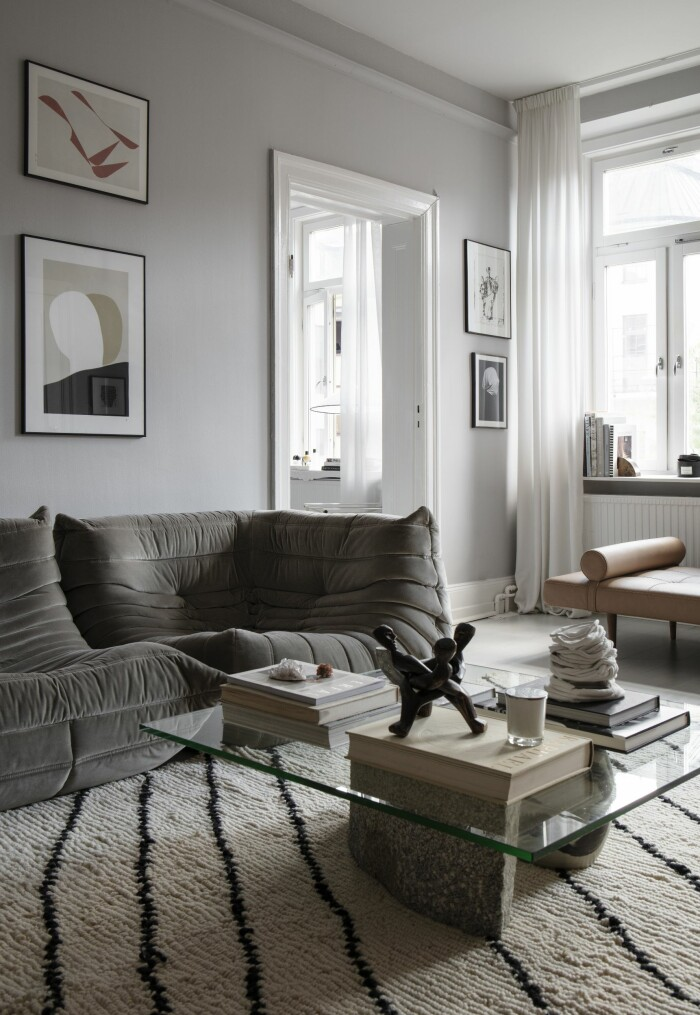 Hemma hos Gabriella Ferrero vardagsrum Ligne roset soffa