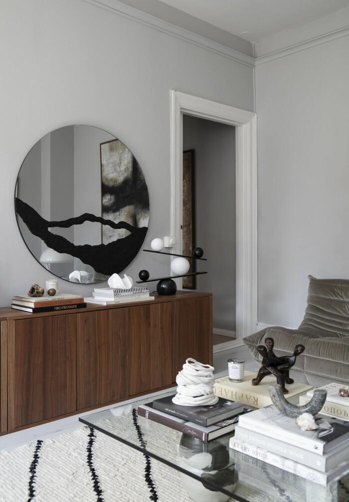 Hemma hos Gabriella Ferrero hylla spegel