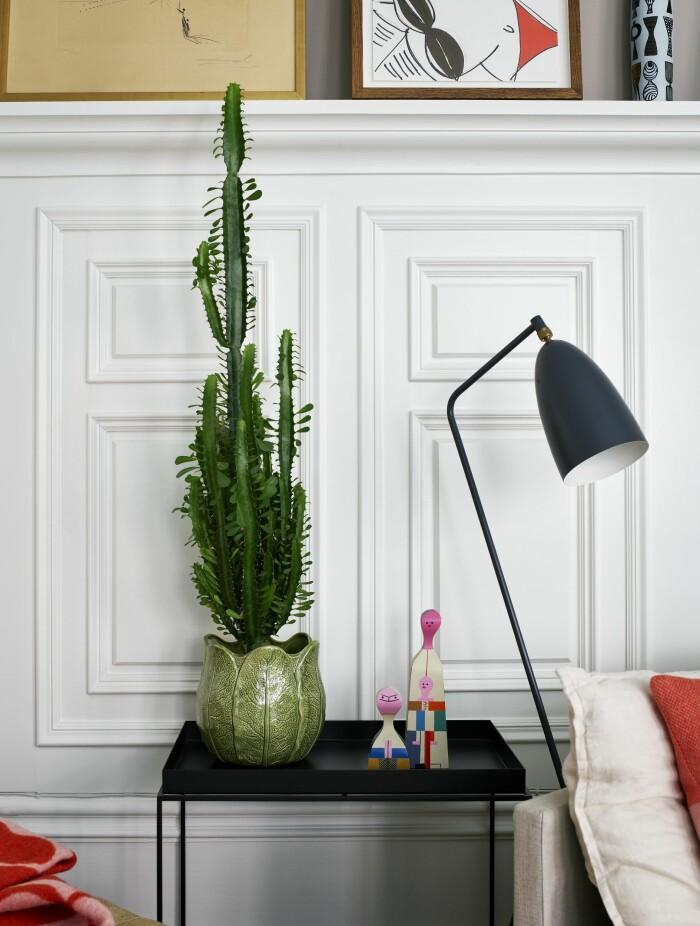 Hemma hos Gabriella Gullberg Stockholm lampa grasshopper