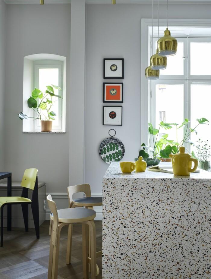 Hemma hos Gabriella Gullberg Stockholm köksö terrazzo